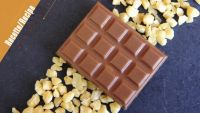 Milk chocolate tablets with crunchy caramel